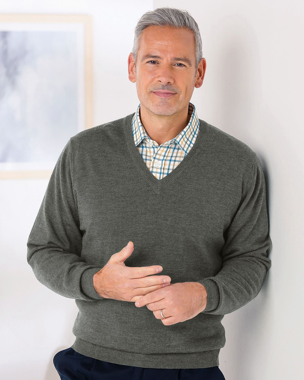 Merino V neck Sweater - Mens